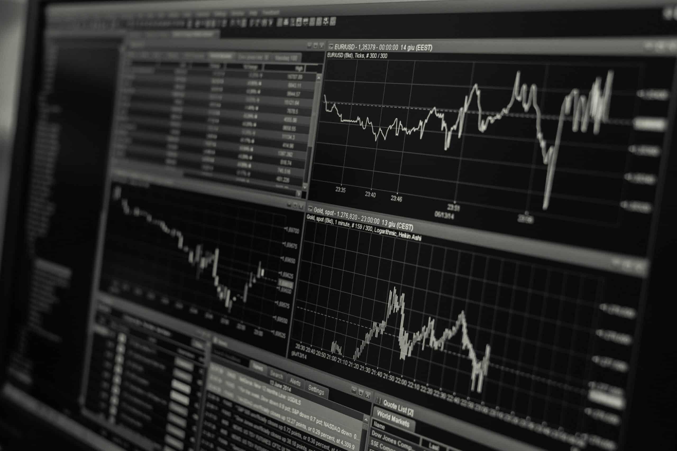 miglior software di trading azionario automatizzato 2021 lavoro da casa in inglese come si dice 2021 cfda awards vincitori
